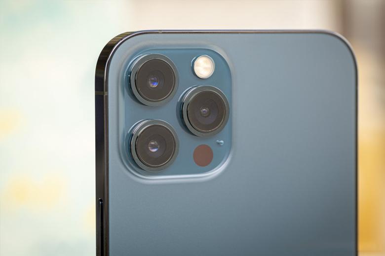 iPhone 12 Pro Max được trang bị hệ thống 3 camera