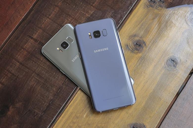 thiết kế trên điện thoại Galaxy S8 và Galaxy S8 Plus chủ yếu khác biệt về kích thước