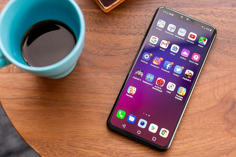Màn hình LG V40 ThinQ giá rẻ được trang bị kích thước 6.4 inch