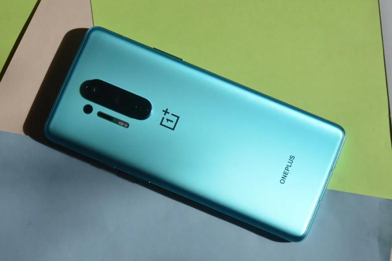 OnePlus 8 Pro 128GB được trang bị công nghệ sạc nhanh không dây ấn tượng