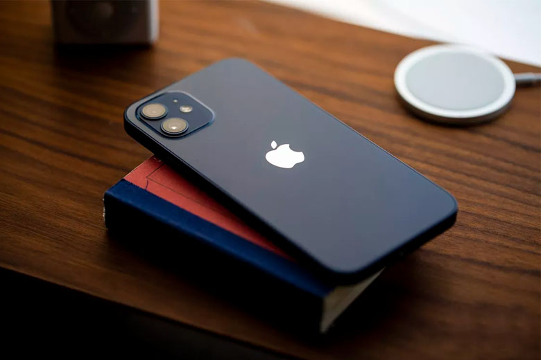Ngoại hình Phone 12 64GB thời thượng, thu hút