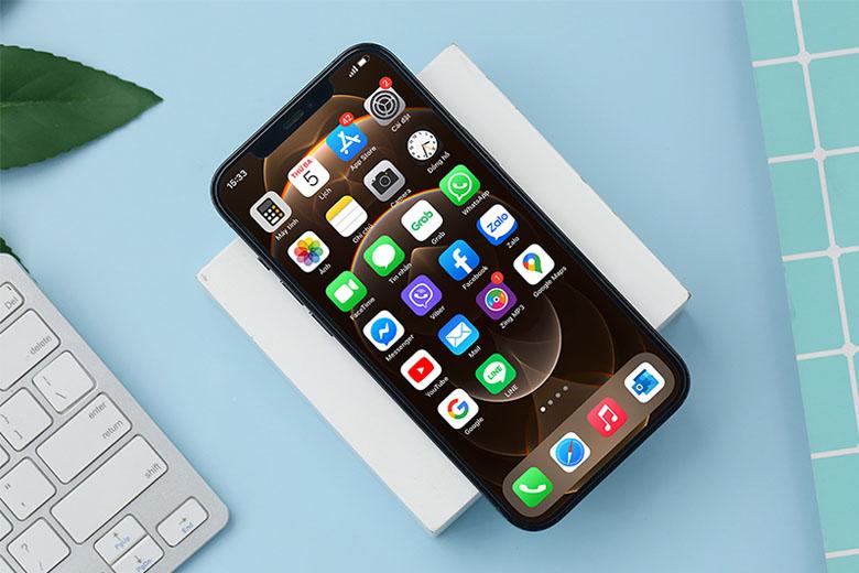 iiPhone 12 Pro Max 256GB còn đi kèm với màn hình OLED với công nghệ Super Retina XDR