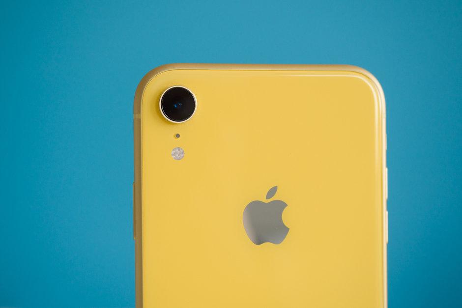 Mặt lưng điện thoại iPhone Xr 128GB cũ giá rẻ được trang 1 cảm biến