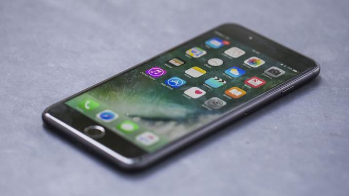 iPhone 7 32GB cũ là viên có dung lượng 1960 mAh