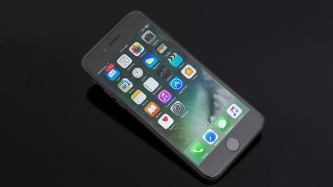 Cấu hình iPhone 7 32GB cũ được tích hợp chip xử lý A10 Fusion