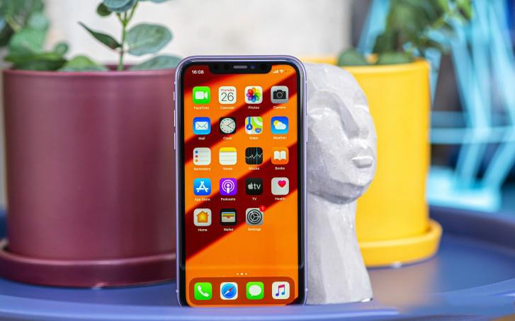 iPhone 11 128GB giá rẻ được trang bị màn hình LCD 6.1 inch
