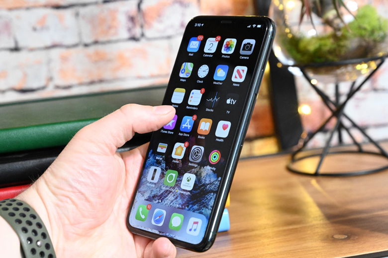 Màn hình iPhone 11 Pro Max 256GB cũ có kích thước lên đến 6.5 inch