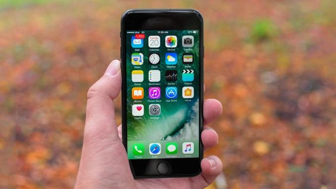 Màn hình iPhone 7 32GB cũ sở hữu kích thước khá nhỏ chỉ 4.7 inch
