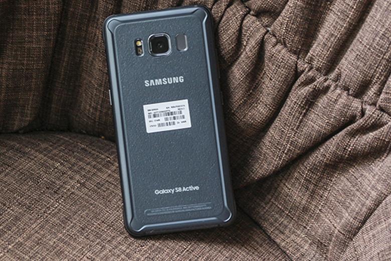 Điểm đáng chú ý nhất trên Galaxy S8 Active Mỹ nằm ở viên pin dung lượng lên đến 4.000 mAh
