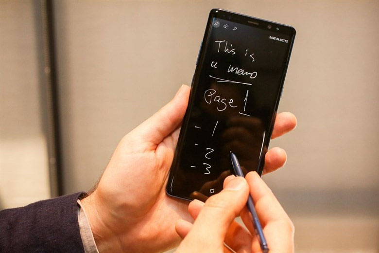 """Bút S Pen là một """"đặc sản"""" của dòng Galaxy Note và đã trở nên nổi tiếng qua thế hệ"""