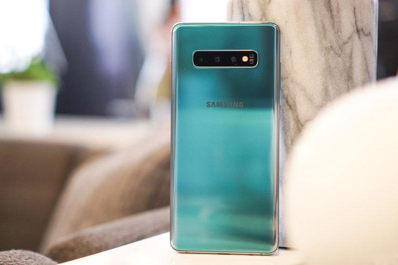 Galaxy S10 Plus 128GB cũ Hàn Quốc còn là ứng cử viên sáng giá cho những tín đồ đam mê chụp ảnh