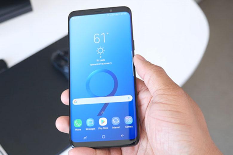 Galaxy S9 Plus 64GB cũ sở hữu màn hình AMOLED 6,2 inch