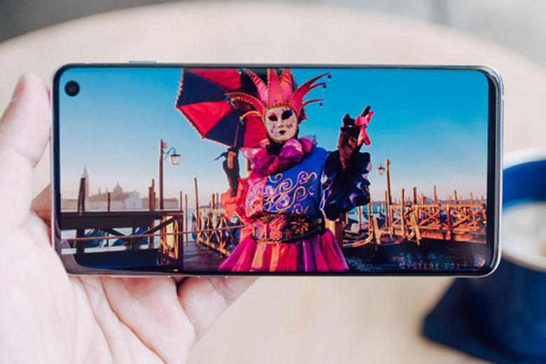 Galaxy S10 cũ bản Mỹ được trang bị vi xử lý Snapdragon 855 của Qualcomm