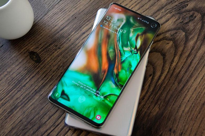 Galaxy S10 128GB cũ Mỹ sử dụng tấm nền Dynamic AMOLED thế hệ mới