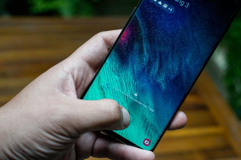 cảm biến vân tay siêu âm trên trên Galaxy S10 Plus 128GB cũ 97% giá rẻ sẽ được tích hợp trên màn hình.