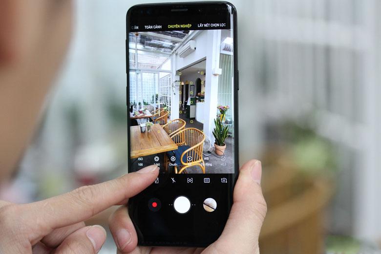 Galaxy S9 Plus 64GB cũ 97% Hàn Quốc được trang bị cụm camera kép 12MP ở mặt sau.