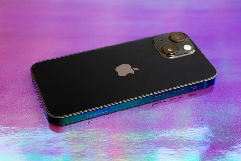 iPhone 13 mini 512GB giá rẻ có ngoại hình giống tiền nhiệm