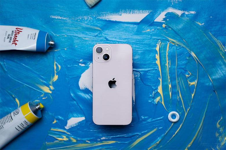 Thiết kế iPhone 13 256GB vẫn toát lên sự đẳng cấp