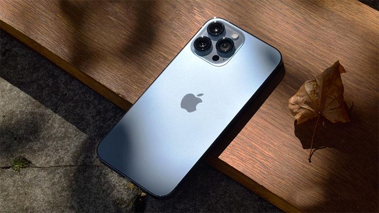 Thiết kế iPhone 13 Pro Max 512GB chính hãng trông khá quen thuộc