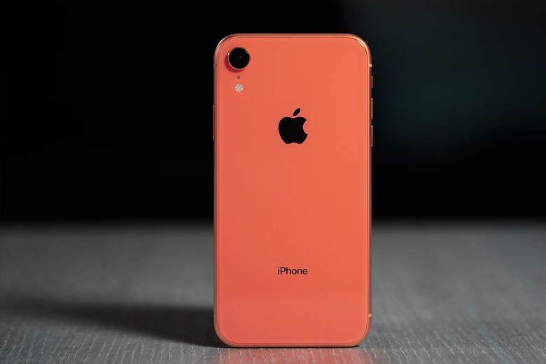 So sánh cấu hình iPhone Xr và iPhone 12