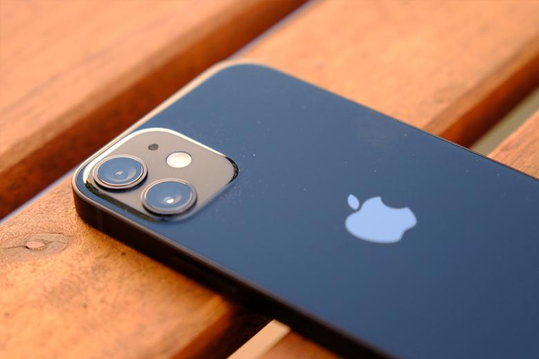 camera iPhone 12 mini 256G cũng được trang bị 2 ống kính