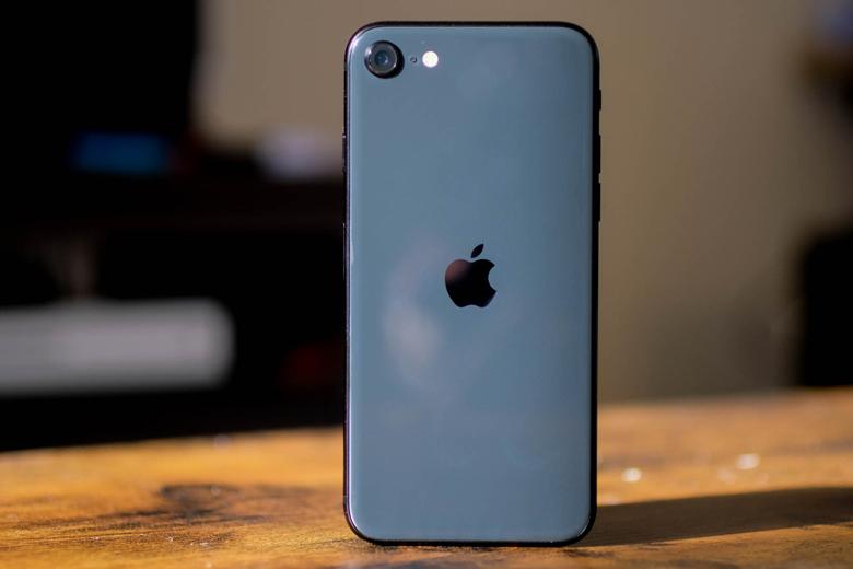 cấu hình iPhone SE 2020 là vô đối  trong phân khúc