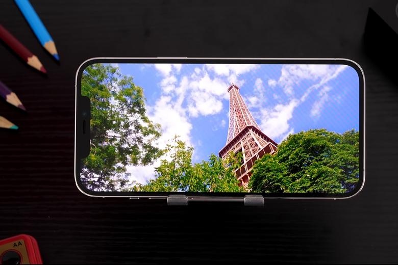 Màn hình iPhone 12 Pro Max 128GB giá rẻ vẫn sử dụng thiết kế tai thỏ