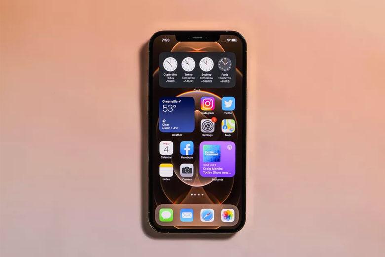 iPhone 12 Pro Max 512GB còn mang lại không gian hiển thị rộng rãi tới kích thước 6,7 inch
