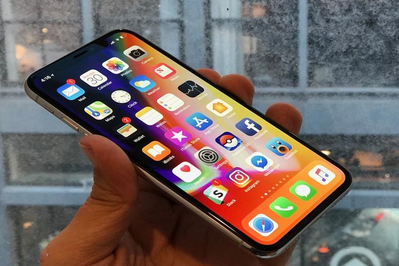 iPhone X sở hữu màn hình tai thỏ ấn tượng