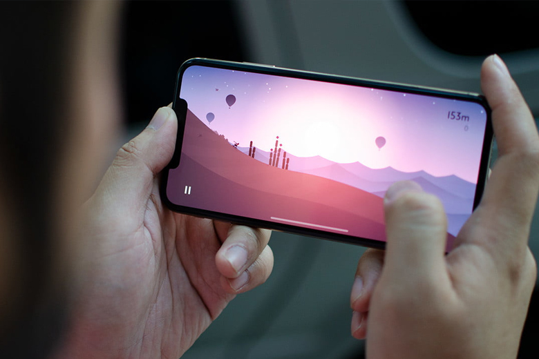 Màn hình trên iPhone Xs và iPhone Xs Max đều được trang bị tấm nền OLED