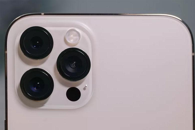 iPhone 12 Pro Max 512GB (VN/A) có 3 camera cùng độ phân giải 12MP ở mặt sau