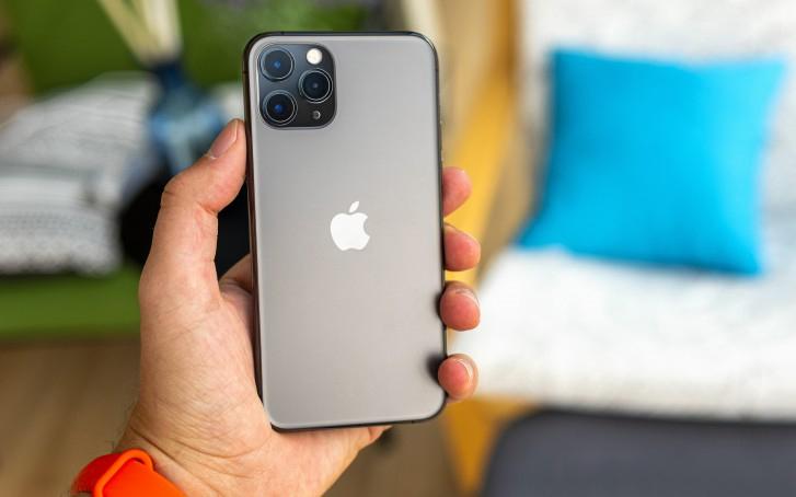 iPhone 11 Pro Max là điện thoại sở hữu viên pin lớn nhất