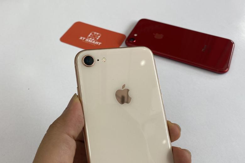 Camera iPhone 8 256GB được trang bị một ống kính