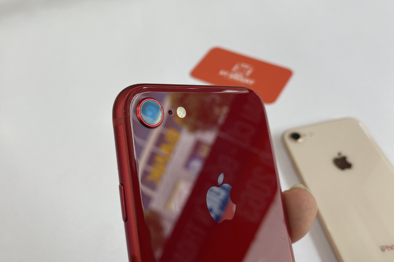 điện thoại iPhone 8 64GB cũ vẫn chỉ được trang bị 1 ống kính